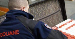 Lyon: épilogue judiciaire après la découverte de 4 300 colis dans quatre valises à l'aéroport