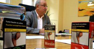 Photos choc: nouvelle controverse Le monde du tabac