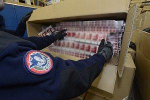 """""""Les attaques de contrebande de tabac ont augmenté de 142% au premier semestre"""" (AFP)"""