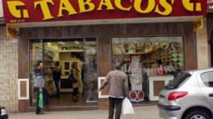 """""""79 000 fumeurs français achètent régulièrement en Navarre espagnole"""" (Diario de Navarra)"""