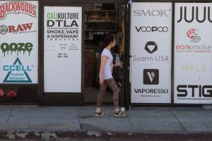 États-Unis: le Massachusetts a temporairement interdit la vente de toutes les cigarettes électroniques