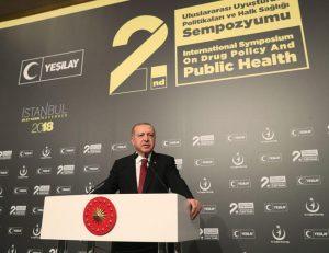 Turquie: Erdogan veut chasser les vapeurs