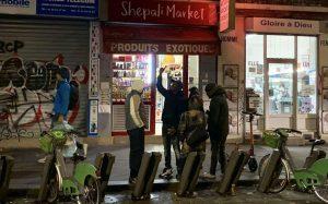 Paris: courses nocturnes de contrebande de tabac