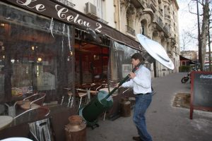 Bar-Tabac: terrasses chauffées ... et campagne municipale