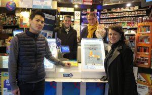 """Butts: """"les gens accueillent très bien cette initiative"""" (buraliste du 9e arrondissement de Paris)"""