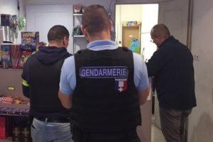 Nîmes: visite surprise de la police et des douanes dans les supermarchés
