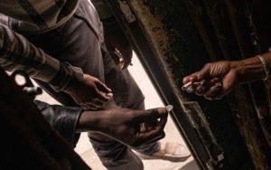Coronavirus / Afrique du Sud: l'interdiction des ventes de tabac se transforme en crise politique