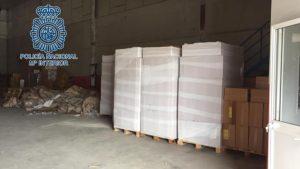 Espagne: démantèlement d'un entrepôt de cigarettes contrefaites