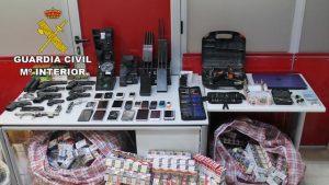 Espagne: démantèlement d'une industrie chinoise qui revend du tabac et de l'alcool volés