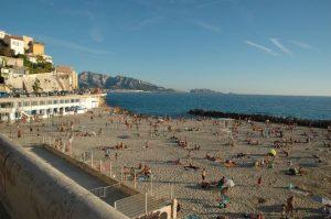 Marseille: La nouvelle commune interdira totalement de fumer sur les plages d'ici 2021