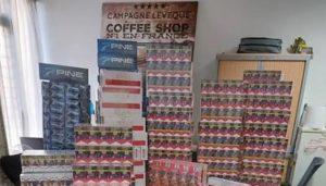 Marseille: saisie de 599 cartons de cigarettes chez un véritable vendeur ambulant «professionnel»