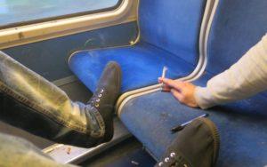 Interdiction de fumer dans les trains de banlieue: Valérie Pécresse s'alarme