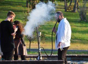 Saint-Denis: interdiction de fumer le narguilé sur la voie publique