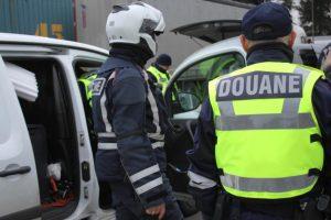 """Douane Toulouse: chasse aux """"transporteurs"""" et aux """"revendeurs"""" de cigarettes de contrebande"""