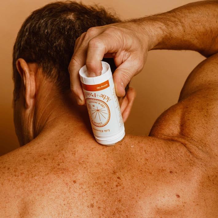 Baume CBD pour les maux de dos