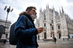 """""""A Milan, il est désormais interdit de fumer à l'extérieur ... ou presque"""" (AFP)"""
