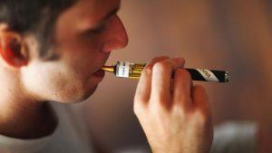 Etats-Unis: la FDA secoue, les crampes et les compagnies de tabac craquent ... à cause des émanations