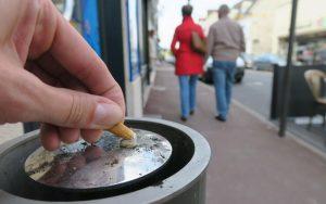 Mégots à Chantilly: plus de cendriers ... et tout le monde est content