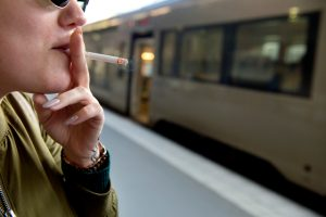 Suède: restrictions à la capacité de fumer et de fumer à l'extérieur
