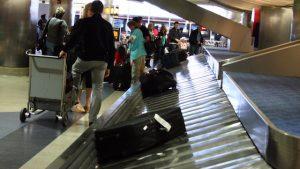 Aéroport de Nice: valises remplies de cigarettes pour les récidivistes