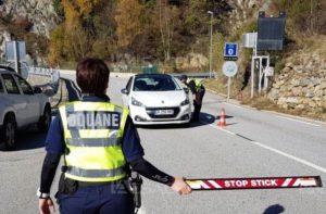"""Sur le chemin d'Andorre: """"touchez les trafiquants dans le portefeuille"""" (douane de la Cerdagne)"""