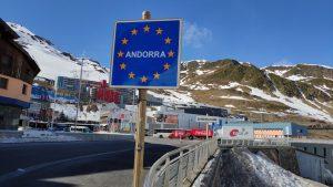 De retour d'Andorre: 435 cartons de cigarettes cachés dans le véhicule sur le chemin de Tours