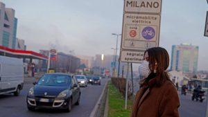 Italie: à Milan, première étape de l'interdiction de fumer à l'extérieur