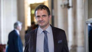 """""""Harmonisation des taxes sur le tabac: une vieille lune"""" (François-Michel Lambert)"""