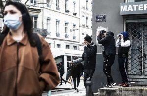 """Lyon: vendeurs ambulants de cigarettes ... """"le temps des petits métiers est révolu"""" (Daniel Bruquel)"""