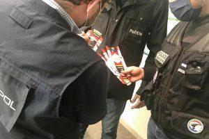 Cigarettes contrefaites: dans les coulisses du démantèlement d'un réseau mafieux approvisionnant la France
