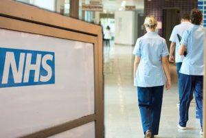 Royaume-Uni: test pilote avant que les hôpitaux ne recommandent le vapotage