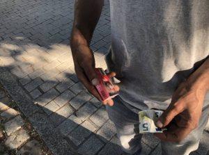"""Nantes : """"pour 5 euros ça n'a pas de sens"""" (une enquête de Ouest France sur la contrebande de tabac)"""